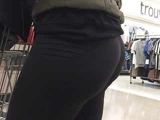 Candid Perfect Bubble Butt In Leggings In 1080pHD