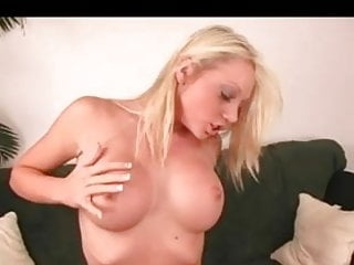 Blonde squirts on the Sybian