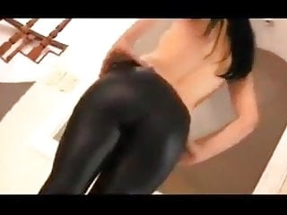 brit showing off her arse in black leggings
