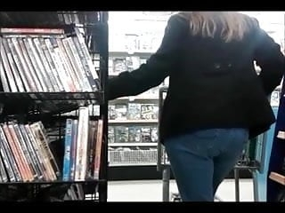 Candid - Woman with Big Ass in Tight Jeans DVD Shopping